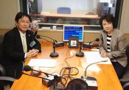 出演の田村智幸会長とパーソナリティーの船越ゆかりアナウンサー