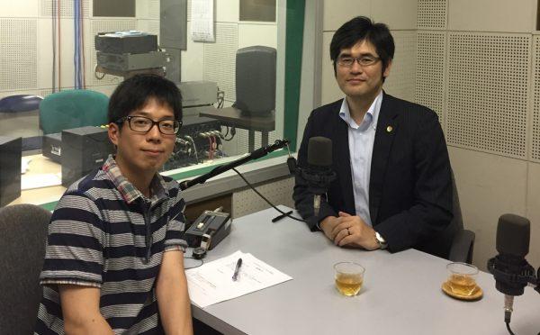 アナウンサーの堀内大輝さん(左)と札幌弁護士会 大崎康二弁護士(右)